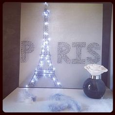 Retrouvez cet article dans ma boutique Etsy https://www.etsy.com/fr/listing/512163518/paris-lumineux-en-string-art