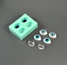 Silicone mold  Eyes for dolls  Pointed oval  Cabochons