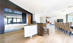 Well equipped, serviced self catering Apartments and Villa's in Cape Town!