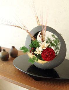 Ikebana Flower Arrangement, Ikebana Arrangements, Silk Floral Arrangements, Artificial Flower Arrangements, Artificial Flowers, Oriental Flowers, Exotic Flowers, Amazing Flowers, Deco Floral