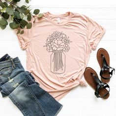 Outstanding diy hacks are readily available on our site. Have a look and you wont be sorry you did. Funny T Shirt Sayings, Funny Tshirts, Simple Shirts, Cool T Shirts, Outfits For Teens, Cute Outfits, Tomboy Outfits, Mason Jar Flowers, Diy Flowers
