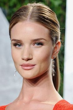 200 Of The Best Blonde Bombshell Hairstyles - Rosie Huntington-Whiteley