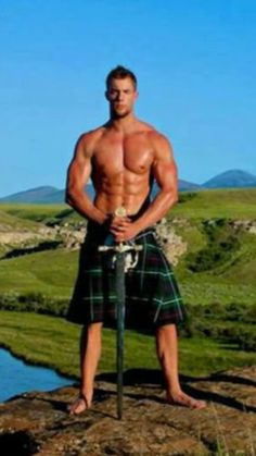 It is not easy to build muscle. So, it's essential to maximize every minute you spend muscle building by making sure you are using the right techniques. Scottish Man, Scottish Kilts, Tartan Kilt, Plaid, Men In Kilts, Travis Fimmel, Komplette Outfits, Hommes Sexy, Men In Uniform