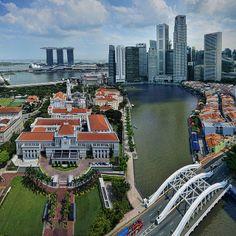 # Cidade de Cingapura. 'Marina Bay' ao fundo.