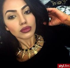 Sometimes a statement necklace brings it up to such a high standard that Kelvin Klein would be jealous <3 :**