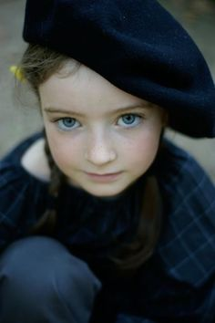 A French beret in indigo...