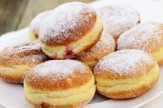 Beignets au four maison - Appetizer Recipes Homemade Jelly, Homemade Donuts, Donut Recipes, Cake Recipes, Dessert Recipes, Desserts With Biscuits, Food Tags, Sweet Bread, Love Food