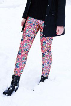 Print Leggings, Harem Pants, Tights, Fashion, Printed Leggings, Navy Tights, Moda, Harem Trousers, Fashion Styles