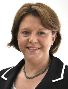 UK: Culture secretary tells Tory conference to support equal marriage
