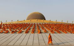 Wat Phra Dhammakaya, Thailand. (Sukree Sukplang, Reuters/Contrasto)