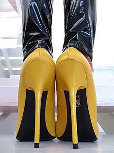 1cb265517ccb HOHE LEDER PUMPS GELB ROT DAMEN SCHUHE 1969 ITALY U11 Yellow LEATHER HIGH  HEELS   Kleidung   Accessoires, Damenschuhe, Pumps   eBay!
