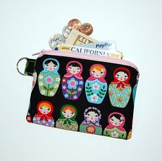 MATRYOSHKA DOLLS - Small Zipper Pouch / Cell Phone Gadget Holder
