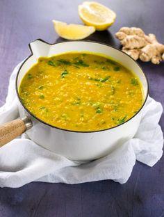 Turmeric Lentil Soup with ginger & lemon | The Veg Space vegan recipes Vegan Lentil Soup, Easy Vegan Soup, Veg Soup, Healthy Soup Recipes, Vegan Recipes Easy, Vegetarian Recipes, Healthy Food, Italian Minestrone Soup Recipe, Vegan Comfort Food