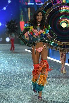 Cindy Bruna Photos - Cindy Bruna walks the runway at the Victoria s Secret  Fashion Show on November 2016 in Paris c8eb16c94