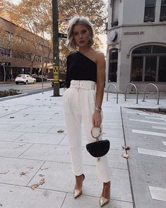 If you want to keep things classy and chic try an outfit li. Classy Outfits, Stylish Outfits, Cute Outfits, Summer Outfits, Look Fashion, Autumn Fashion, Fashion Outfits, Ladies Fashion, Laura Jade Stone