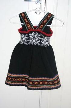 Bilderesultat for strikket bunad Knitting For Kids, Baby Knitting, Crochet Baby, Knit Crochet, Knit Baby Dress, Knit Art, Baby Pullover, Knitted Dolls, Baby Sweaters