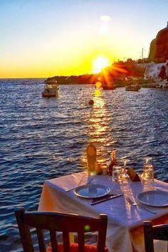 Santorini - Ammoudi Santorini Island, Santorini Greece, Santorini Sunset, Dream Vacations, Vacation Spots, Beautiful Sunset, Beautiful Places, Beautiful Morning, Santorini Holidays