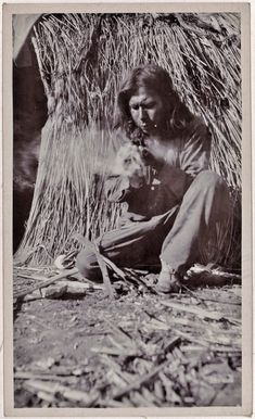White Mountain Apache man starting a fire - 1919 Native American Genocide, Native American Wisdom, Native American Photos, Native American Tribes, Native American History, American Symbols, Native Indian, Apache Indian, Red Indian