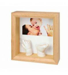 Baby Art Sculpture Frame - Fotka a odtlačok v ramiku (svetlé drevo) Special Gifts For Mum, New Baby Gifts, Baby Casting Kit, Hand Statue, Art Blanc, Foto 3d, Baby Mold, Photo Sculpture, Hand Molding