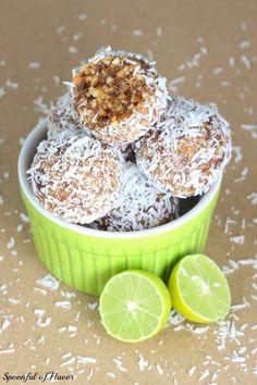 Key Lime Coconut Energy Bites ~ quick, no bake treats that are vegan and paleo friendly! Like Lara Bars.