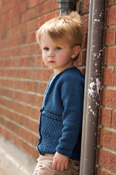 Free knitting pattern - little boy cardigan