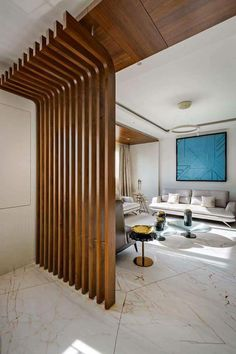 Estilosa divisória em ripas de madeira / Cloison élégante en lattes de bois / Estilosa partición en láminas de madera / Stylish partition in wooden slats / Ideias criativas para separar ambientes Wooden Partition Design, Wooden Wall Design, Living Room Partition Design, Wooden Partitions, Room Partition Designs, Ceiling Design Living Room, Living Room Divider, Living Room Designs, Wooden Slats