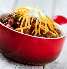 Man in the kitchen: Clem cooks chilli con carne Onion Recipes, Honey Recipes, Chili Recipes, Healthy Recipes, Slow Cooker Chili, Spicy Chili, Fresh Coriander, Nutrition, Sweet And Spicy