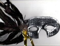 Pretty Silver & Black Sequined Feather Eye Mask Mardi Gras Halloween Costume - http://www.halloween.quick-reviews.com/6602/pretty-silver-black-sequined-feather-eye-mask-mardi-gras-halloween-costume.html