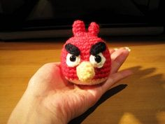 Angry Bird fans will want to make one of these! Instructions for crocheted angry bird by Queenie Chan