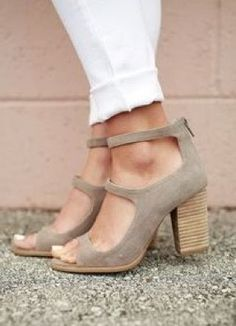 Cute Outfits **** Stitch Fix April 2017! Totally digging these adorable nude stacked heel Mary Jane inspired sandals for Spring. Get great looks just like these from Stitch Fix today! Stitch Fix Fall, Stitch Fix Spring, Stitch Fix Summer 2016 2017. Stitch Fix Spring Summer fashion. Resort Wear #StitchFix #Affiliate #StitchFixInfluencer