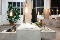Journelles-Karriere-Interview-Elena-Mora-Setdesign-Zign-Shoes-2