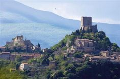 2 Bedroom Apartment in Castiglione D'Orcia to rent from £312 pw. With Log fire, TV and DVD.