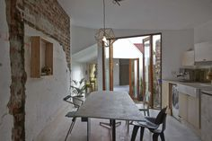 The Doll's House is an extension to a small workers cottage in Fitzroy. Retaining the existing street frontage and primary living areas whilst fragmenting th...