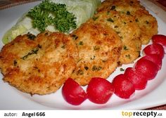 Celerovo - sýrové placičky recept - TopRecepty.cz Czech Recipes, Ethnic Recipes, Salty Foods, Baked Potato, Cauliflower, Stuffed Mushrooms, Food And Drink, Low Carb, Vegetarian