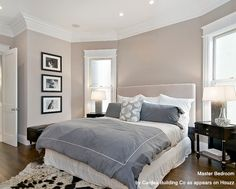 English-Country-Crown-Molding-Bed-Bedroom-Design-Charles P. Rogers