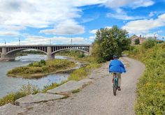 Brantford, Ontario has a pleasant 20 km bicycle loop along the Grand River. Read the review with maps and photos here. River Trail, River Park, Park Trails, Bike Trails, Trail Maps, Bridges, Mountain Biking, Ontario, Cycling