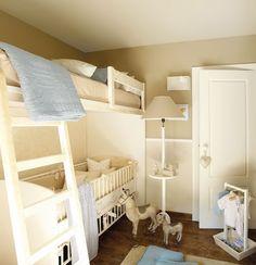 Uma idéia para quem precisa colocar num mesmo quarto um bebê e uma criança maior, mas não tem muito espaço! O berço fica embaixo da beliche!! Via Micasa Mostra Quartos …
