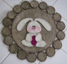 Easter Bunny Wool Penny Rug Sale by quiltgirlscreations Felted Wool Crafts, Felt Crafts, Easter Crafts, Penny Rug Patterns, Wool Applique Patterns, Felt Embroidery, Felt Applique, Sewing Crafts, Sewing Projects