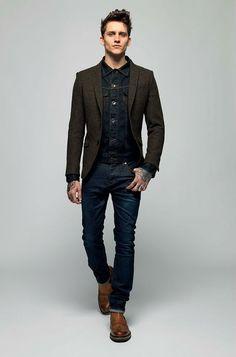 http://www.canalmasculino.com.br/dica-jaqueta-jeans-com-blazer-de-la/