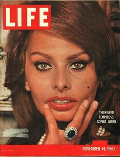 item details: Entire Issuekeywords: Sophia Loren
