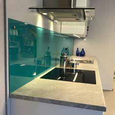 Glass over kjøkkenbenk levert & montert av oss Glass, Drinkware, Corning Glass, Yuri, Tumbler, Mirrors