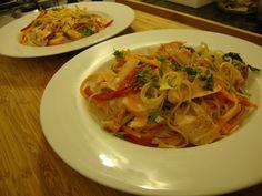 As Minhas Receitas: Noodles com Legumes e Salmão