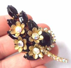 STUNNING VINTAGE ESTATE JULIANA D&E AB & BLACK RHINESTONE FLOWER BROOCH!!! G9471
