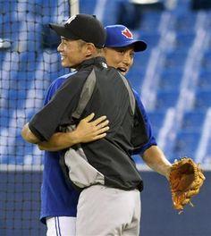 Munenori Kawasaki (Toronto Blue Jays) and Ichiro (New York Yankees)