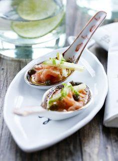 Carpaccio met zalm en peer. Wat een heerlijk frisse combi!  #maaltijd #Deens