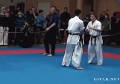 ICNbuys.com, the best Kung Fu online Shop — The best Kick Follow Back Karate Kyokushin, Ufc Fighters, Broken Leg, Combat Sport, Wing Chun, Gym Humor, Mixed Martial Arts, Taekwondo, Kung Fu