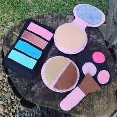 Keep Mommy's expensive makeup safe from sticky fingers - this gorgeous felt makeup set is a sound investment in expanding your child's imagination and stimulating their development. Expensive Makeup, Pop Up Market, Sticky Fingers, Makeup Set, Blusher, Kids Toys, Imagination, Felt, Child