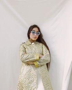 Hitomi Mochizuki, Beauty Youtubers, Badass Women, Outfit Combinations, Beautiful People, Fashion Beauty, Bell Sleeve Top, Street Style, Style Inspiration