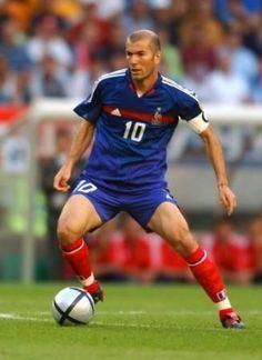 Best Football Players, Football Soccer, Zinedine Zidane Real Madrid, All Star, Real Madrid Team, Uefa European Championship, France Football, Sport Icon, Celebrity Travel