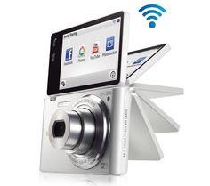 SAMSUNG MultiView MV900F - bianco + Custodia Ultra Compact + Mini treppiede Pocketpod + Scheda memoria Micro SD HC 8 GB